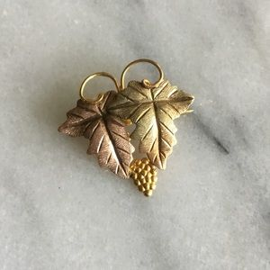 Authentic Black Hills Gold Brooch 10k